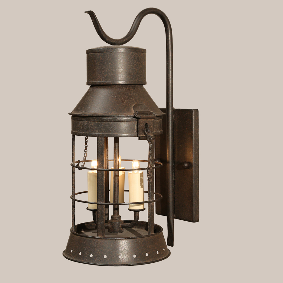 4002 Hampton Bracketed Lantern