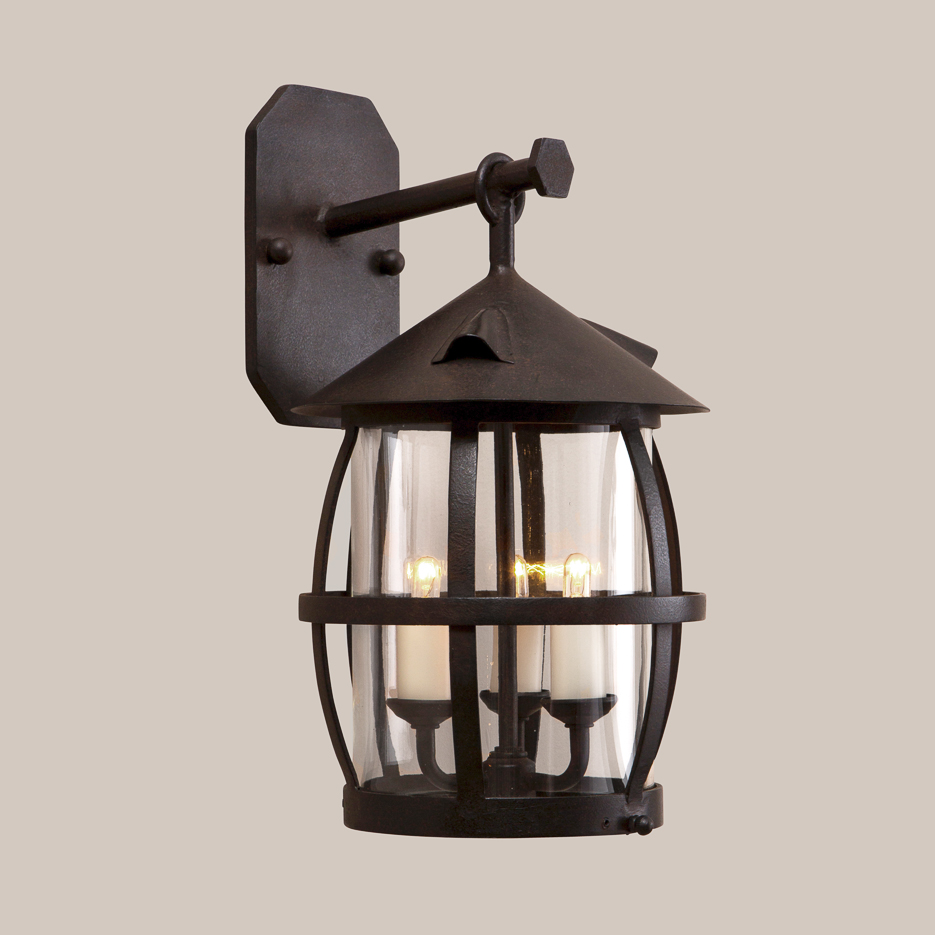 4052 Welsh Bracketed Lantern