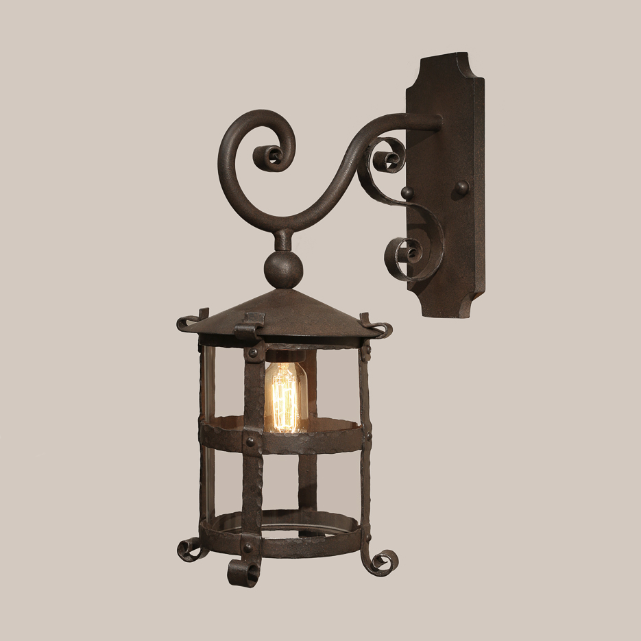 4101 Canterbury Bracketed Lantern