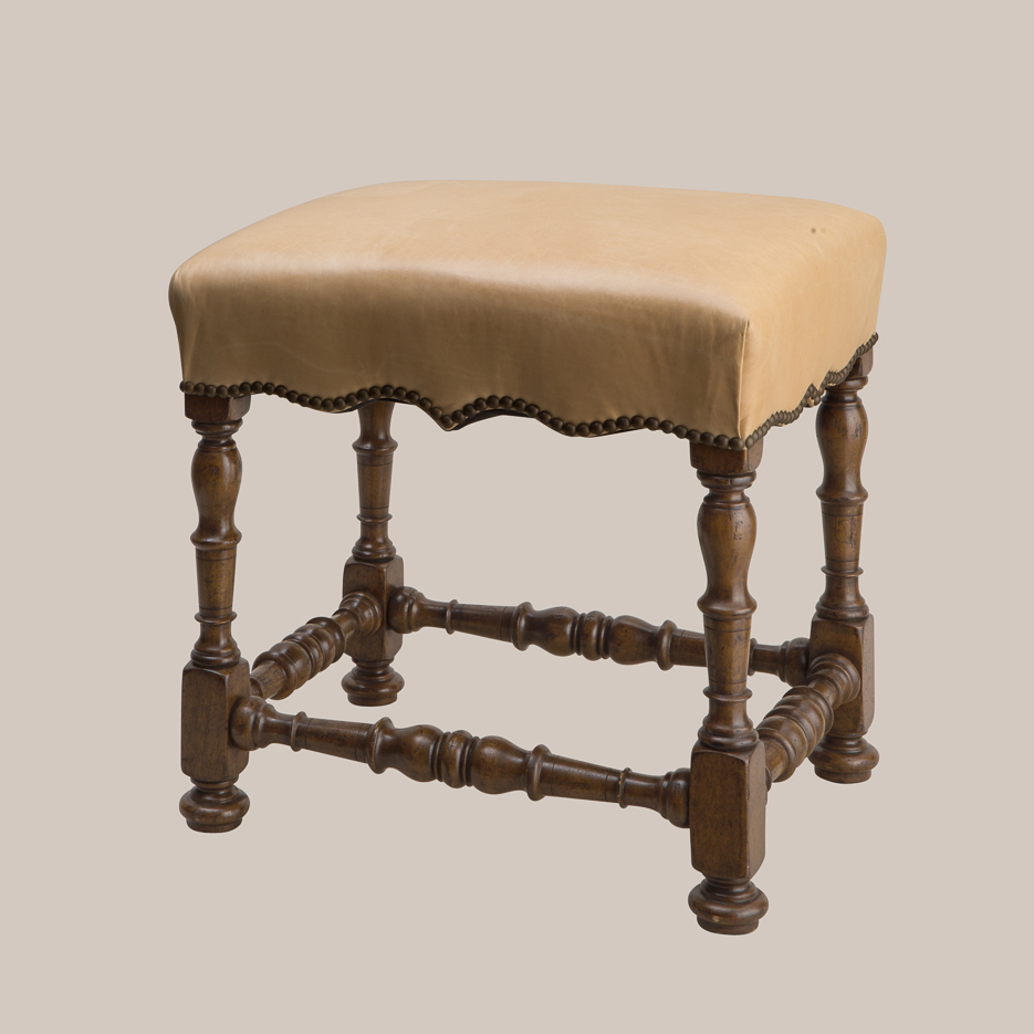 6032 Scalloped Stool