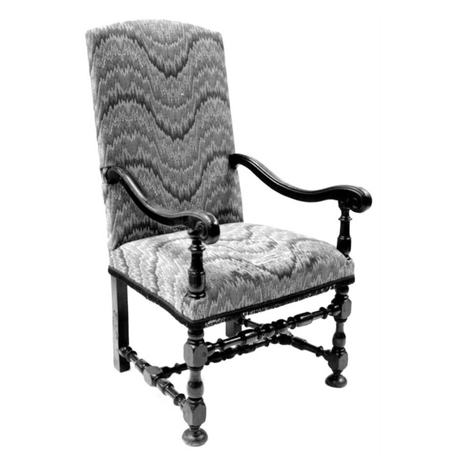 6050 Maurice Chair