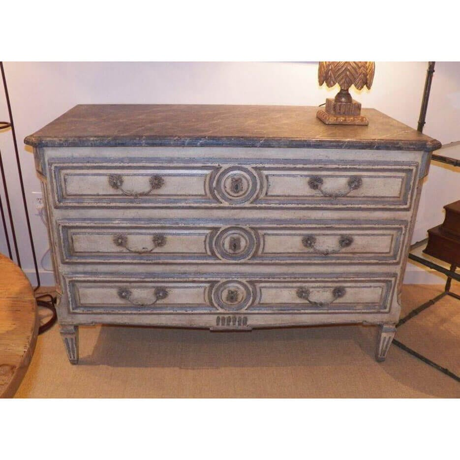 6235 Annabelle Chest
